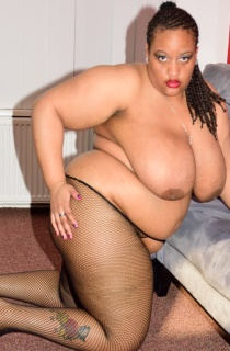 CurvyBunnyB - Exclusive to TAC. This is Curvy Bunnys first time online. She is a whole lotta sexy woman who knows how to please. A must see for all BBW fans