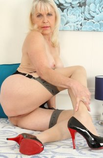 LadySextasy - A retired school teacher whos now an award winning international adult performer. Lady Sextasy defines what GILF porn is all about